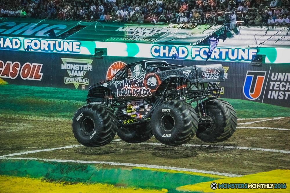 11-the-monster-jam-world-finals-racing-championship-pictures-2016-sam-boyd-stadium-las-vegas-monstersmonthly.jpg