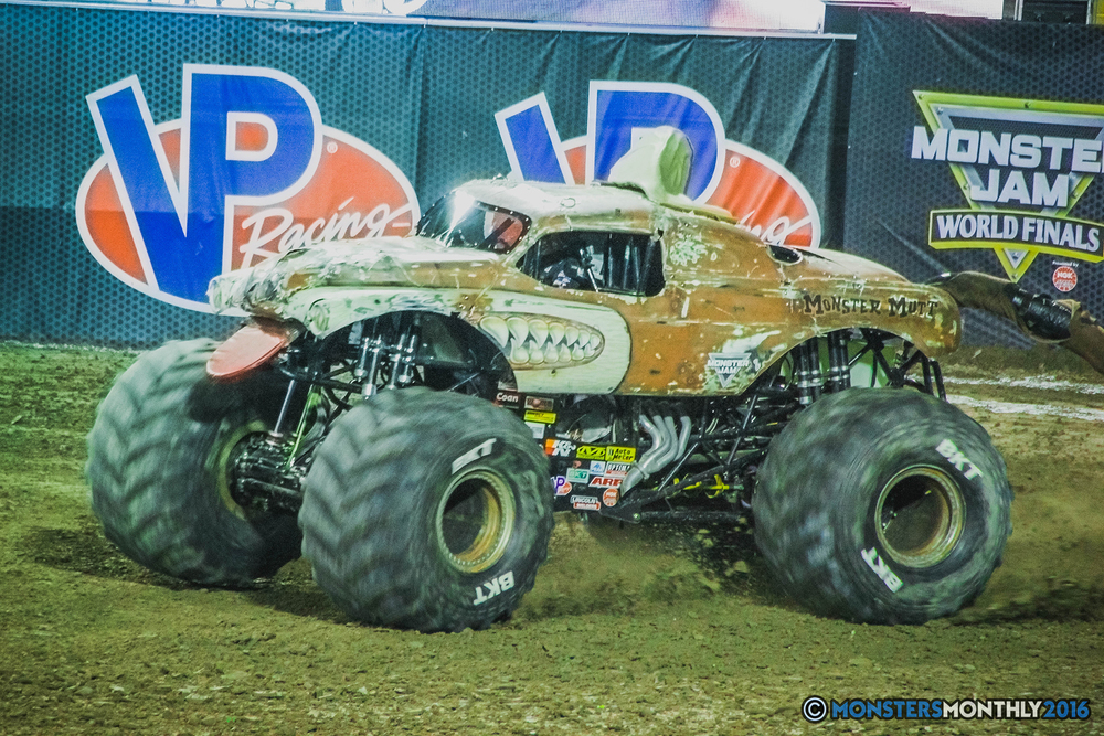 13-the-monster-jam-world-finals-racing-championship-pictures-2016-sam-boyd-stadium-las-vegas-monstersmonthly.jpg
