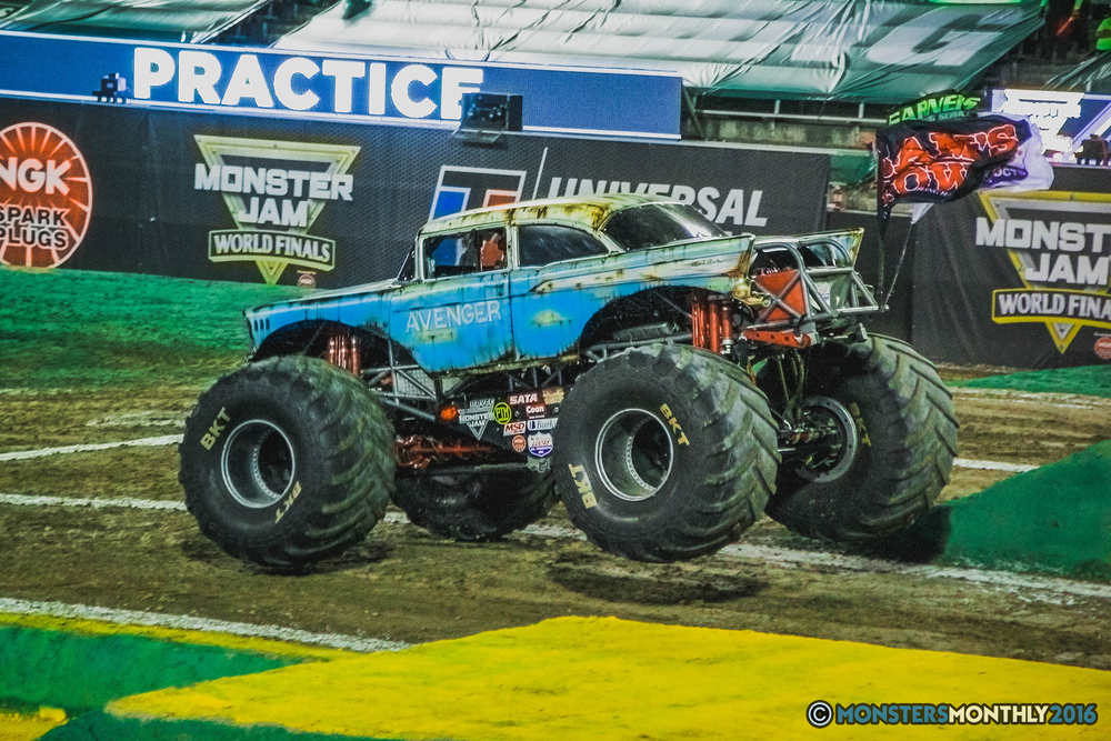 15-the-monster-jam-world-finals-racing-championship-pictures-2016-sam-boyd-stadium-las-vegas-monstersmonthly.jpg