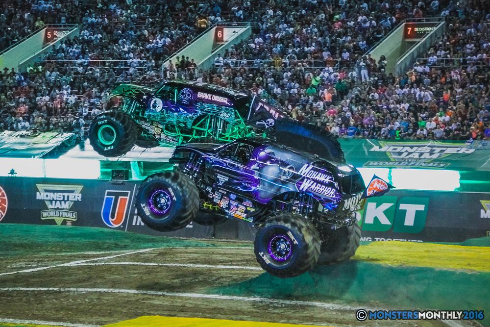 16-the-monster-jam-world-finals-racing-championship-pictures-2016-sam-boyd-stadium-las-vegas-monstersmonthly.jpg
