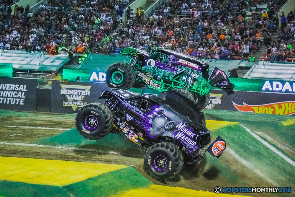 29-the-monster-jam-world-finals-racing-championship-pictures-2016-sam-boyd-stadium-las-vegas-monstersmonthly.jpg
