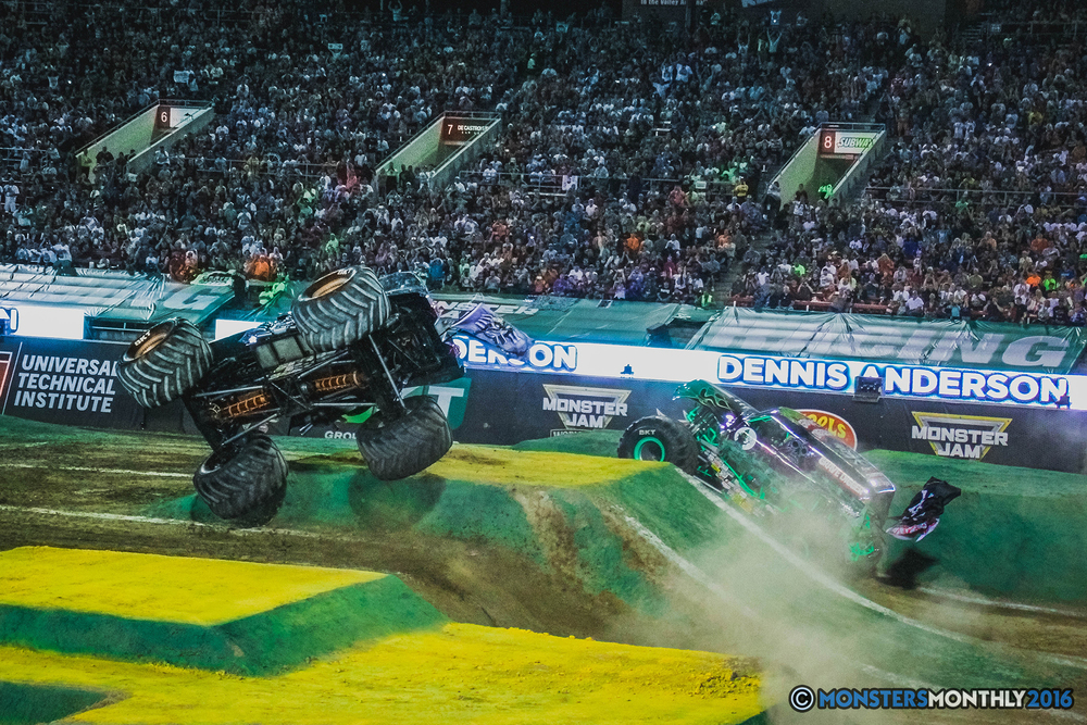 30-the-monster-jam-world-finals-racing-championship-pictures-2016-sam-boyd-stadium-las-vegas-monstersmonthly.jpg