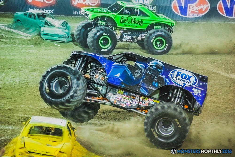 31-the-monster-jam-world-finals-racing-championship-pictures-2016-sam-boyd-stadium-las-vegas-monstersmonthly.jpg