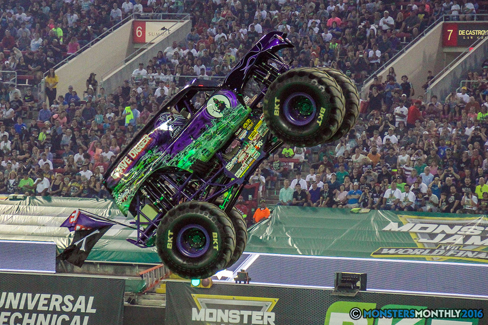 01-monster-jam-world-finals-17-march-2016-sam-boyd-stadium-las-vegas-monster-truck-racing-freestyle-gravedigger-maxd-monster-mutt-titan.jpg