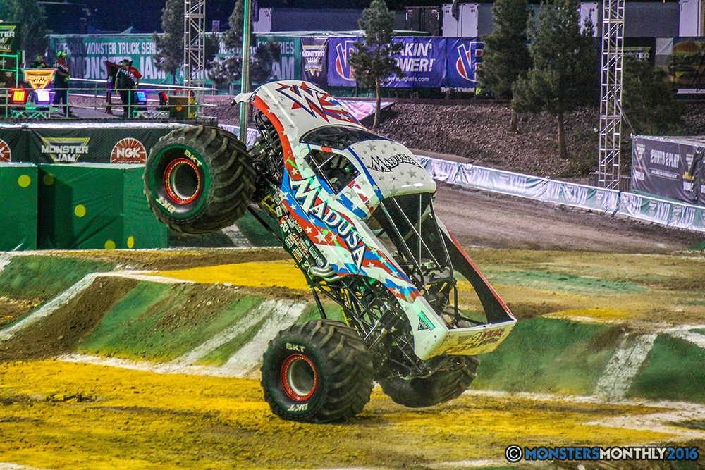06-monster-jam-world-finals-17-march-2016-sam-boyd-stadium-las-vegas-monster-truck-racing-freestyle-gravedigger-maxd-monster-mutt-titan.jpg