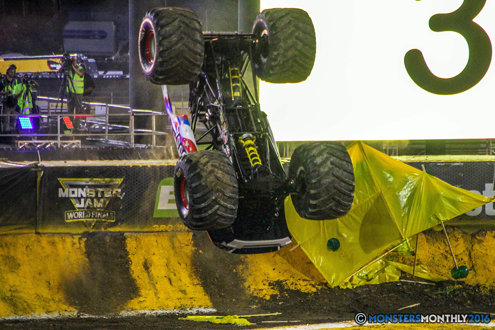 07-monster-jam-world-finals-17-march-2016-sam-boyd-stadium-las-vegas-monster-truck-racing-freestyle-gravedigger-maxd-monster-mutt-titan.jpg