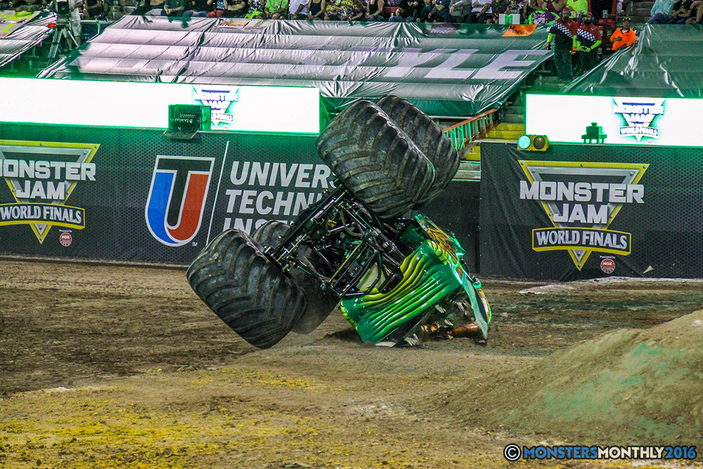 16-monster-jam-world-finals-17-march-2016-sam-boyd-stadium-las-vegas-monster-truck-racing-freestyle-gravedigger-maxd-monster-mutt-titan.jpg