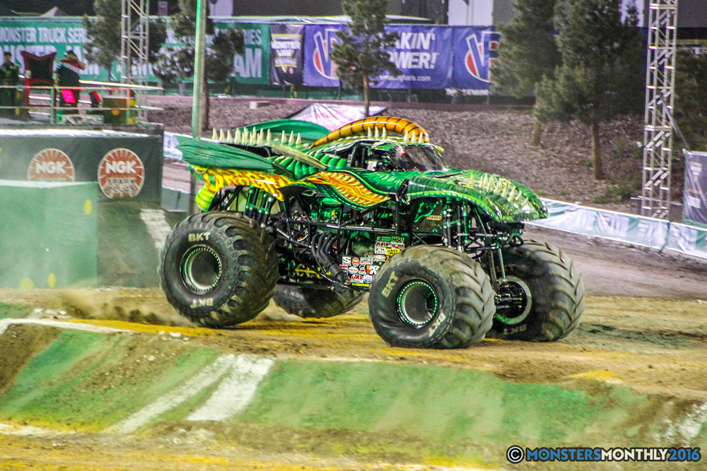 17-monster-jam-world-finals-17-march-2016-sam-boyd-stadium-las-vegas-monster-truck-racing-freestyle-gravedigger-maxd-monster-mutt-titan.jpg