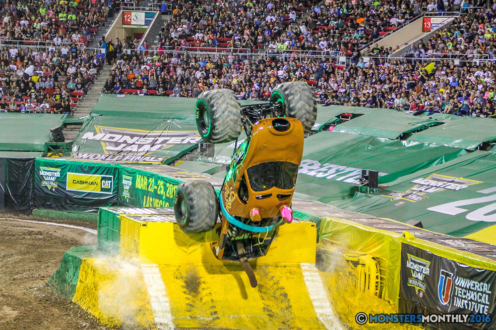 22-monster-jam-world-finals-17-march-2016-sam-boyd-stadium-las-vegas-monster-truck-racing-freestyle-gravedigger-maxd-monster-mutt-titan.jpg