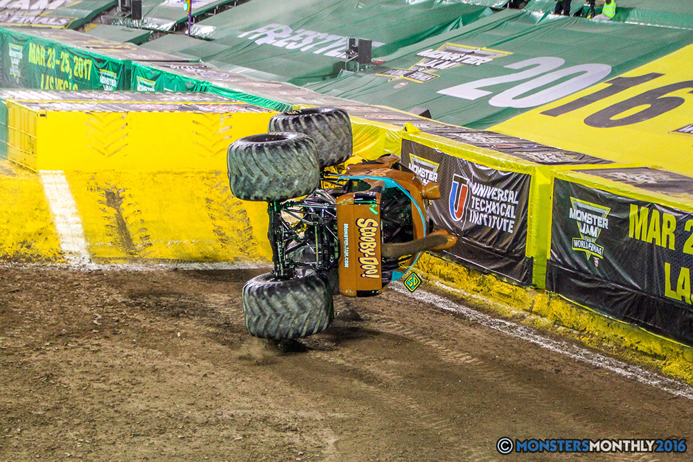 28-monster-jam-world-finals-17-march-2016-sam-boyd-stadium-las-vegas-monster-truck-racing-freestyle-gravedigger-maxd-monster-mutt-titan.jpg