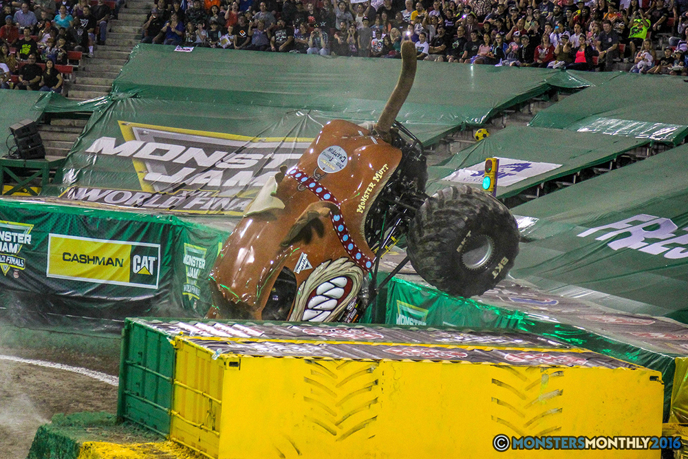 35-monster-jam-world-finals-17-march-2016-sam-boyd-stadium-las-vegas-monster-truck-racing-freestyle-gravedigger-maxd-monster-mutt-titan.jpg