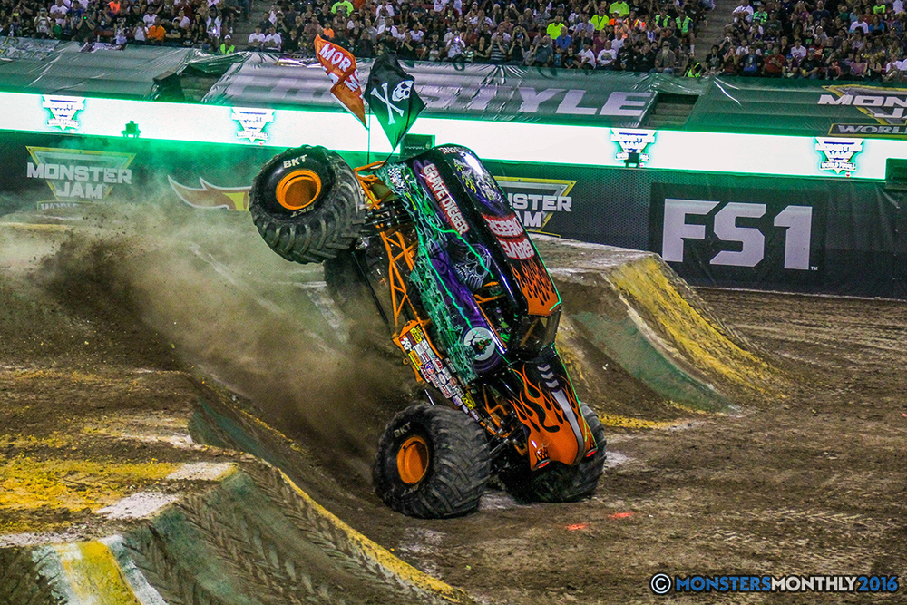 41-monster-jam-world-finals-17-march-2016-sam-boyd-stadium-las-vegas-monster-truck-racing-freestyle-gravedigger-maxd-monster-mutt-titan.jpg