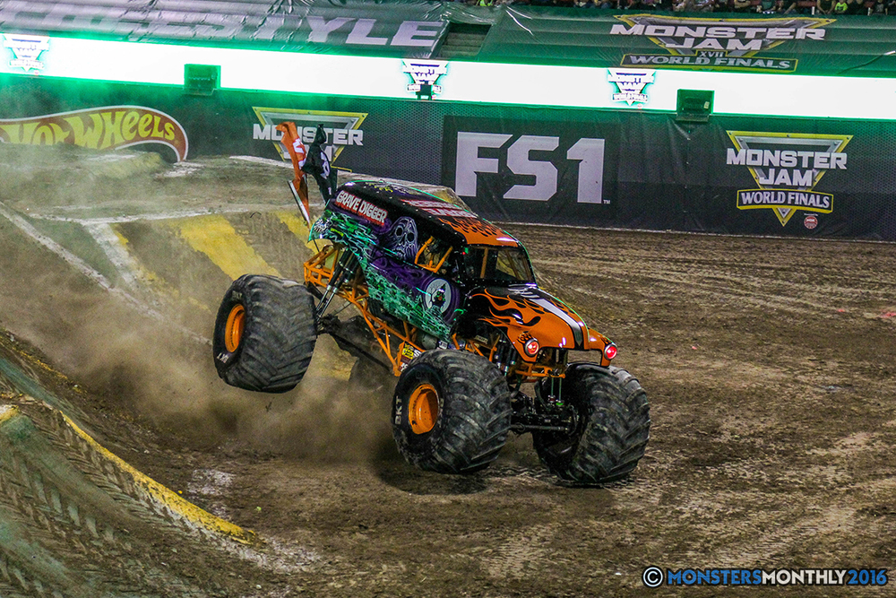 42-monster-jam-world-finals-17-march-2016-sam-boyd-stadium-las-vegas-monster-truck-racing-freestyle-gravedigger-maxd-monster-mutt-titan.jpg
