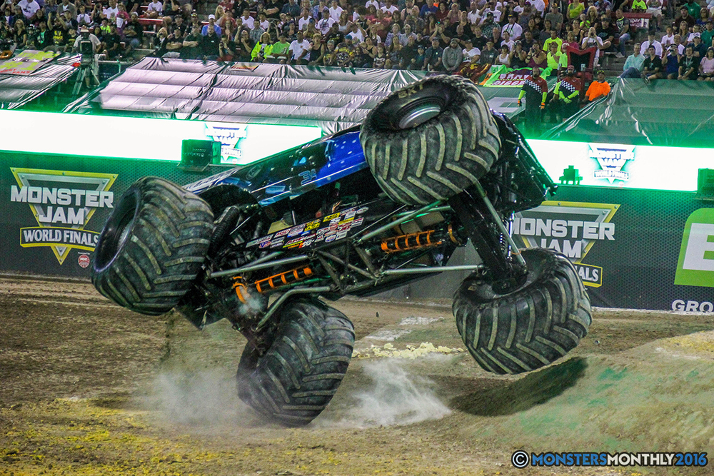 47-monster-jam-world-finals-17-march-2016-sam-boyd-stadium-las-vegas-monster-truck-racing-freestyle-gravedigger-maxd-monster-mutt-titan.jpg