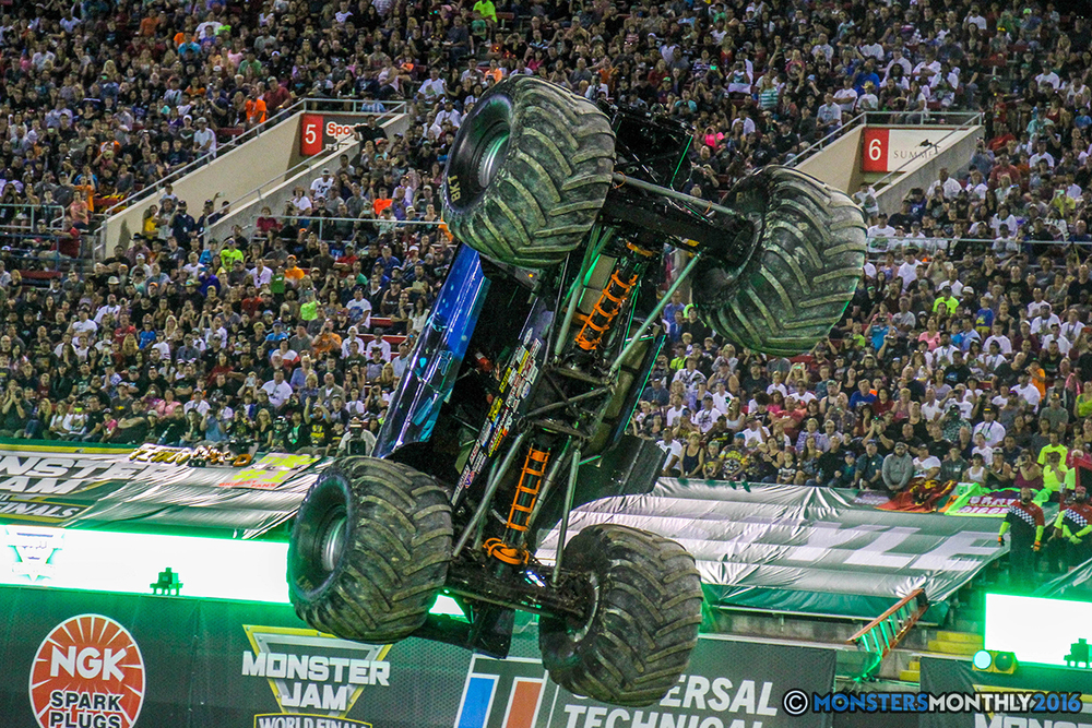 46-monster-jam-world-finals-17-march-2016-sam-boyd-stadium-las-vegas-monster-truck-racing-freestyle-gravedigger-maxd-monster-mutt-titan.jpg