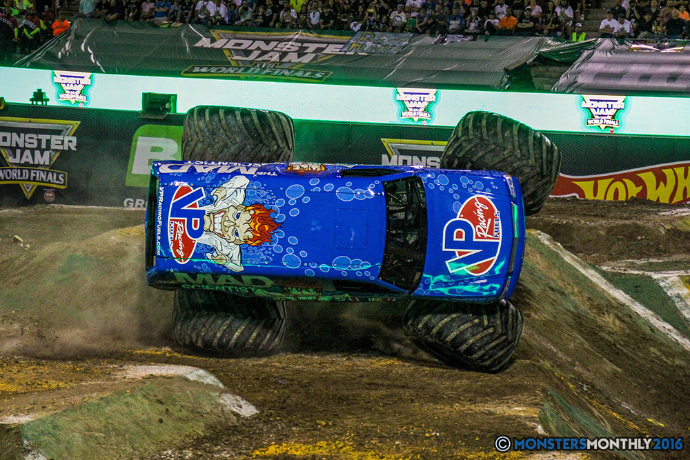 53-monster-jam-world-finals-17-march-2016-sam-boyd-stadium-las-vegas-monster-truck-racing-freestyle-gravedigger-maxd-monster-mutt-titan.jpg