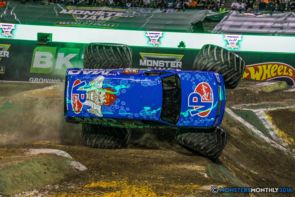 54-monster-jam-world-finals-17-march-2016-sam-boyd-stadium-las-vegas-monster-truck-racing-freestyle-gravedigger-maxd-monster-mutt-titan.jpg