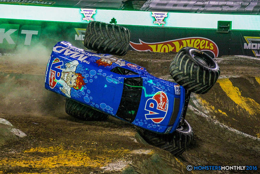 55-monster-jam-world-finals-17-march-2016-sam-boyd-stadium-las-vegas-monster-truck-racing-freestyle-gravedigger-maxd-monster-mutt-titan.jpg