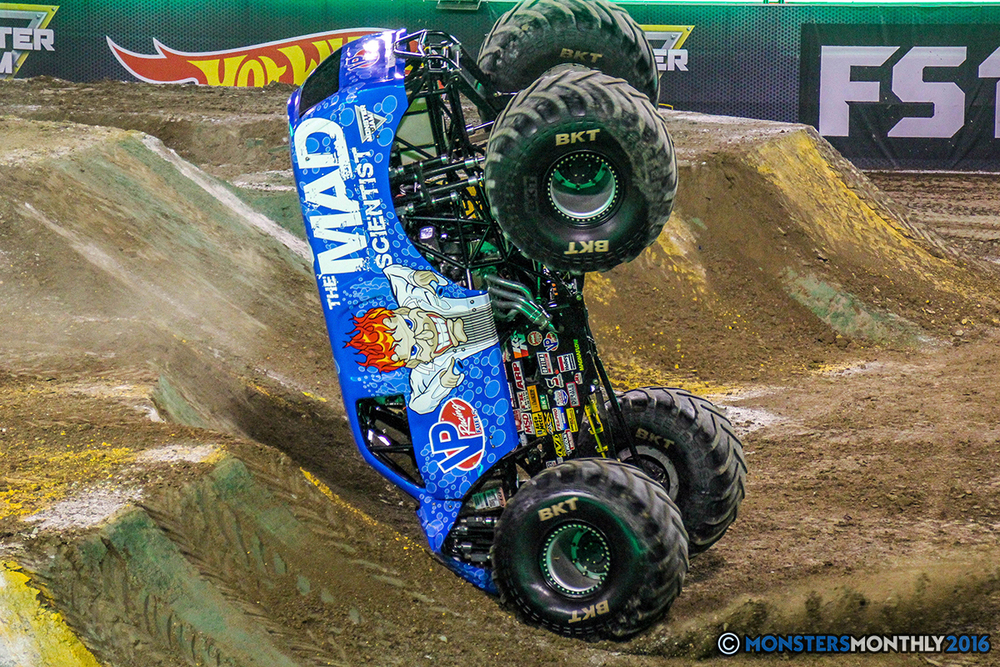 60-monster-jam-world-finals-17-march-2016-sam-boyd-stadium-las-vegas-monster-truck-racing-freestyle-gravedigger-maxd-monster-mutt-titan.jpg