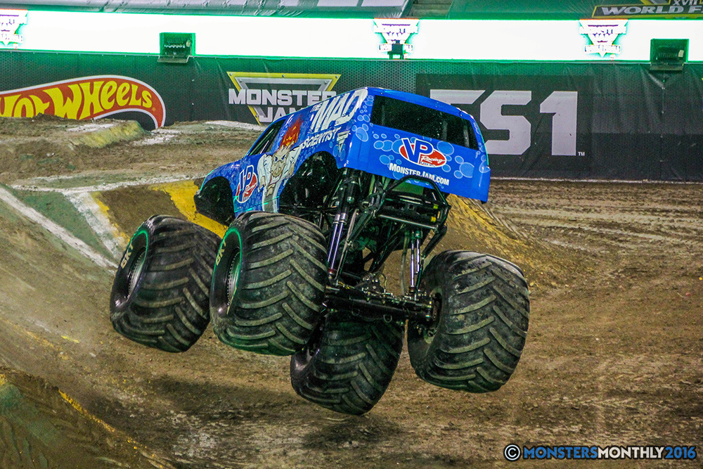 62-monster-jam-world-finals-17-march-2016-sam-boyd-stadium-las-vegas-monster-truck-racing-freestyle-gravedigger-maxd-monster-mutt-titan.jpg