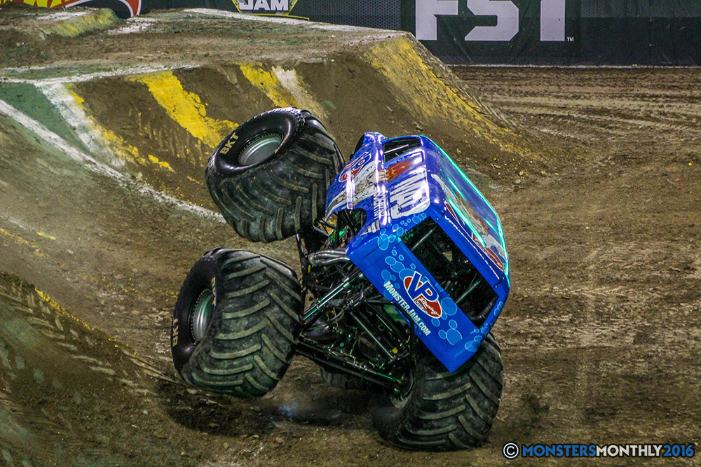 64-monster-jam-world-finals-17-march-2016-sam-boyd-stadium-las-vegas-monster-truck-racing-freestyle-gravedigger-maxd-monster-mutt-titan.jpg