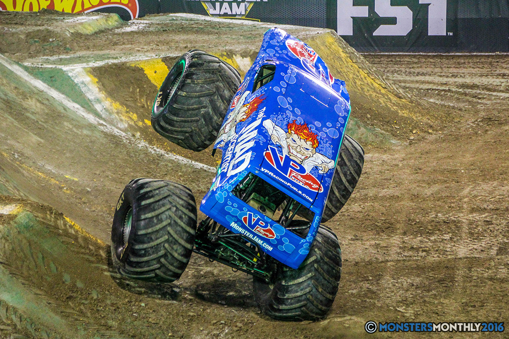 66-monster-jam-world-finals-17-march-2016-sam-boyd-stadium-las-vegas-monster-truck-racing-freestyle-gravedigger-maxd-monster-mutt-titan.jpg