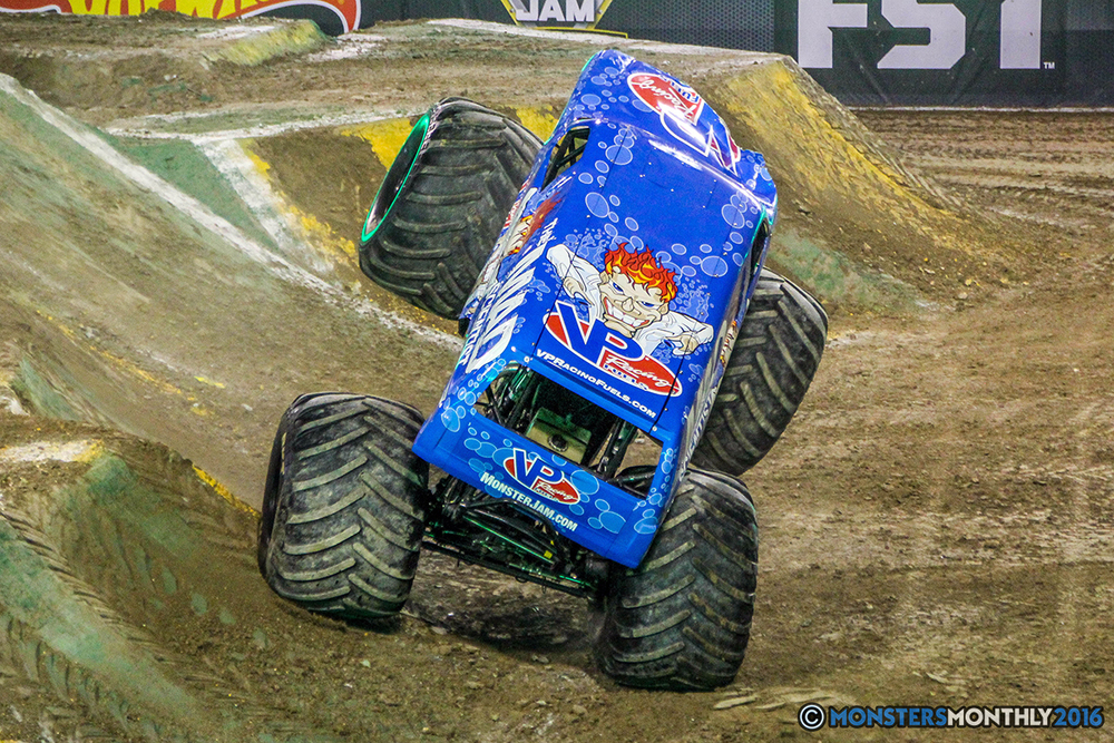 67-monster-jam-world-finals-17-march-2016-sam-boyd-stadium-las-vegas-monster-truck-racing-freestyle-gravedigger-maxd-monster-mutt-titan.jpg