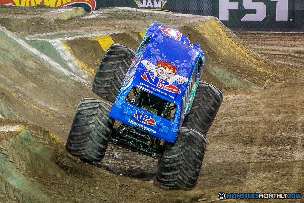 68-monster-jam-world-finals-17-march-2016-sam-boyd-stadium-las-vegas-monster-truck-racing-freestyle-gravedigger-maxd-monster-mutt-titan.jpg