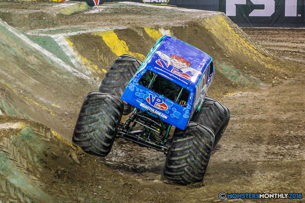 69-monster-jam-world-finals-17-march-2016-sam-boyd-stadium-las-vegas-monster-truck-racing-freestyle-gravedigger-maxd-monster-mutt-titan.jpg