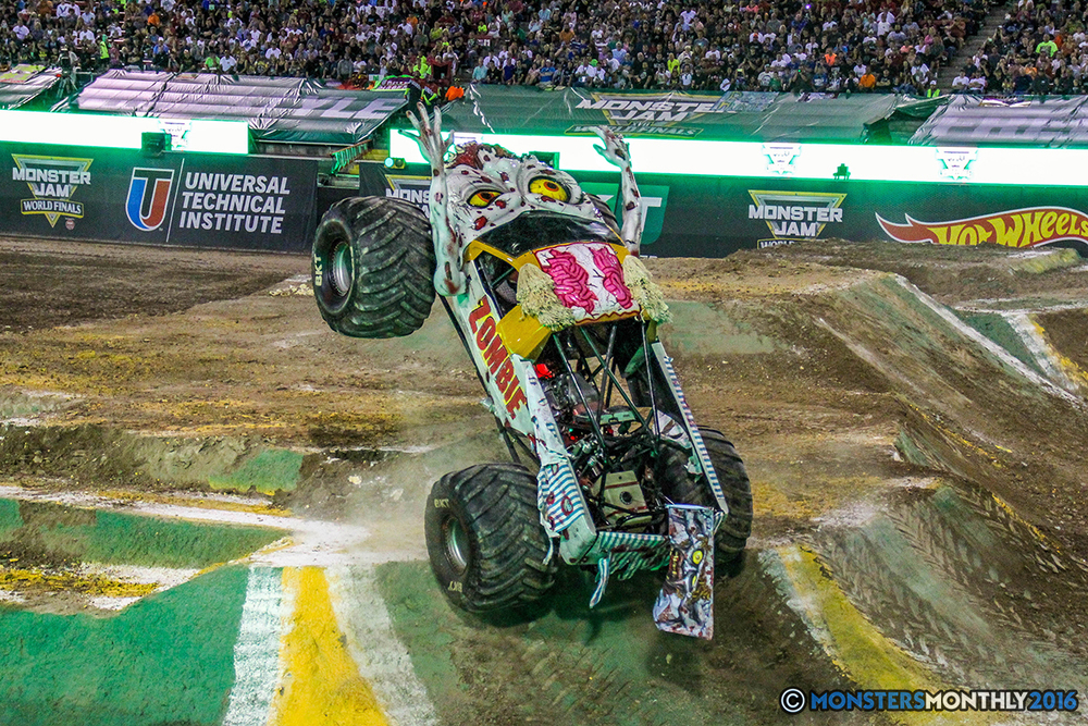 71-monster-jam-world-finals-17-march-2016-sam-boyd-stadium-las-vegas-monster-truck-racing-freestyle-gravedigger-maxd-monster-mutt-titan.jpg