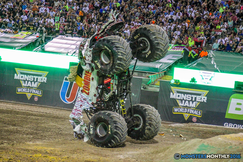 73-monster-jam-world-finals-17-march-2016-sam-boyd-stadium-las-vegas-monster-truck-racing-freestyle-gravedigger-maxd-monster-mutt-titan.jpg