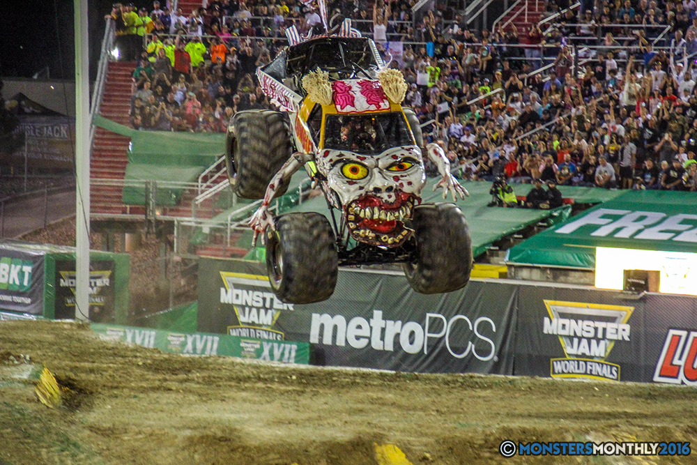 75-monster-jam-world-finals-17-march-2016-sam-boyd-stadium-las-vegas-monster-truck-racing-freestyle-gravedigger-maxd-monster-mutt-titan.jpg
