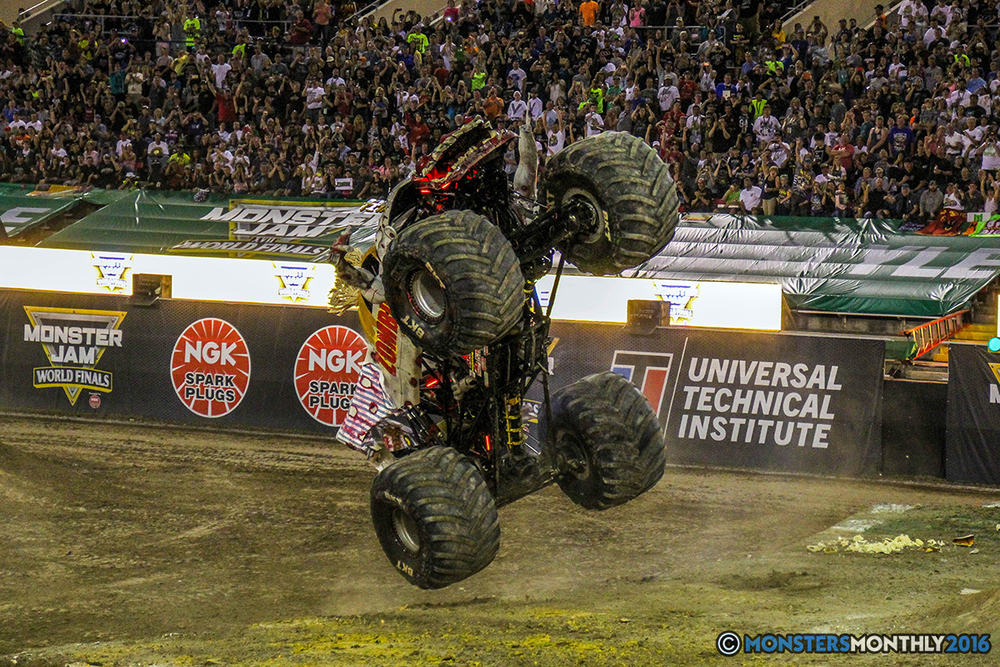 76-monster-jam-world-finals-17-march-2016-sam-boyd-stadium-las-vegas-monster-truck-racing-freestyle-gravedigger-maxd-monster-mutt-titan.jpg
