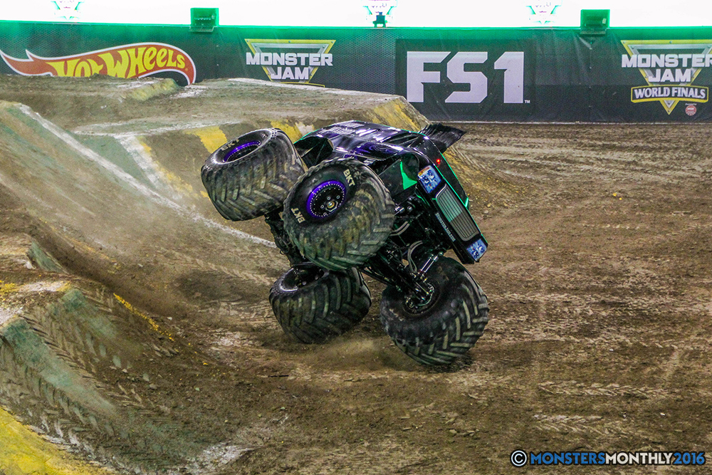 80-monster-jam-world-finals-17-march-2016-sam-boyd-stadium-las-vegas-monster-truck-racing-freestyle-gravedigger-maxd-monster-mutt-titan.jpg