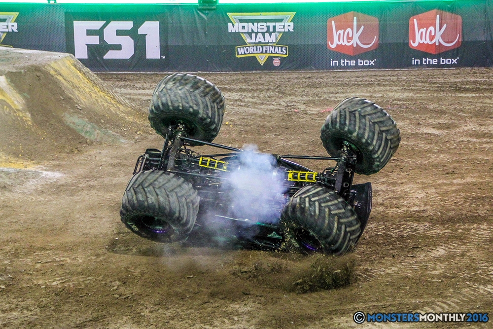 81-monster-jam-world-finals-17-march-2016-sam-boyd-stadium-las-vegas-monster-truck-racing-freestyle-gravedigger-maxd-monster-mutt-titan.jpg