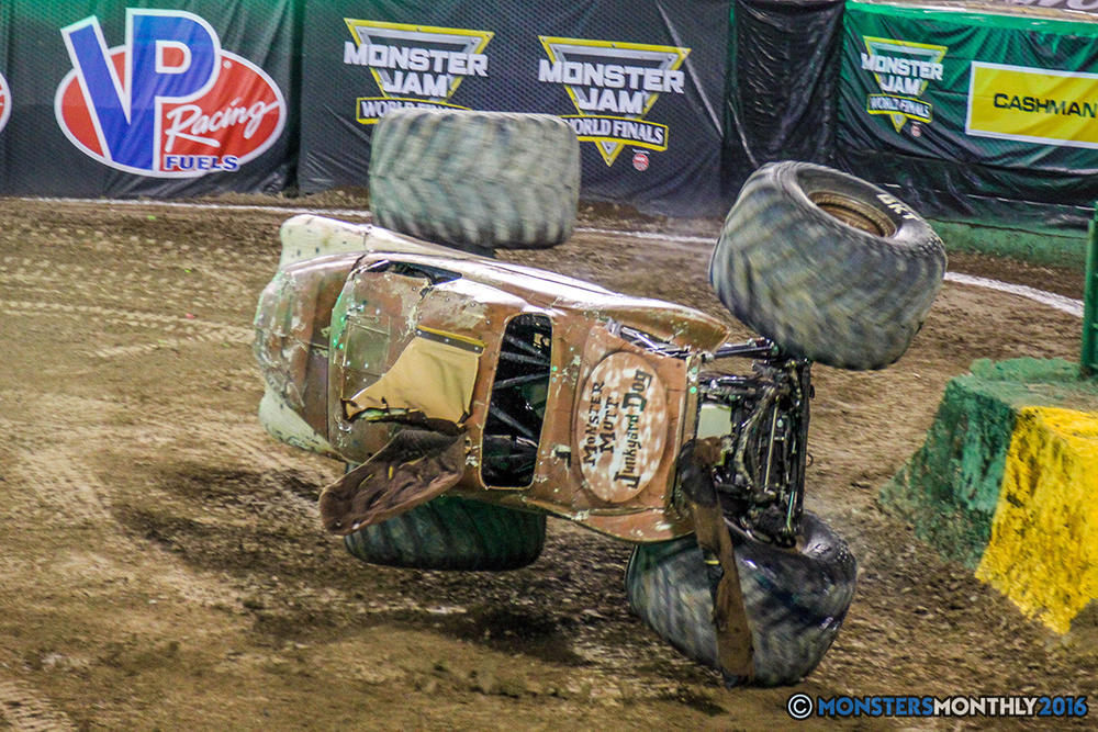83-monster-jam-world-finals-17-march-2016-sam-boyd-stadium-las-vegas-monster-truck-racing-freestyle-gravedigger-maxd-monster-mutt-titan.jpg