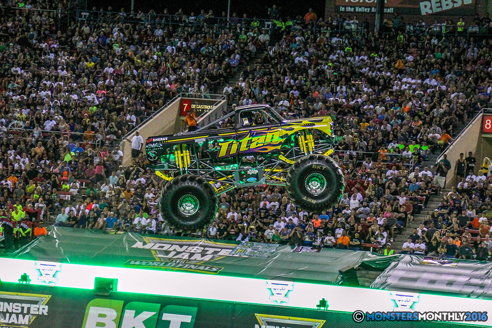 84-monster-jam-world-finals-17-march-2016-sam-boyd-stadium-las-vegas-monster-truck-racing-freestyle-gravedigger-maxd-monster-mutt-titan.jpg