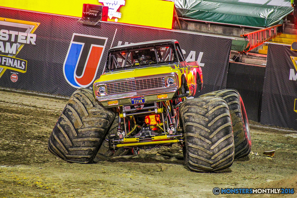 87-monster-jam-world-finals-17-march-2016-sam-boyd-stadium-las-vegas-monster-truck-racing-freestyle-gravedigger-maxd-monster-mutt-titan.jpg