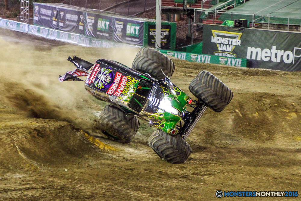 90-monster-jam-world-finals-17-march-2016-sam-boyd-stadium-las-vegas-monster-truck-racing-freestyle-gravedigger-maxd-monster-mutt-titan.jpg