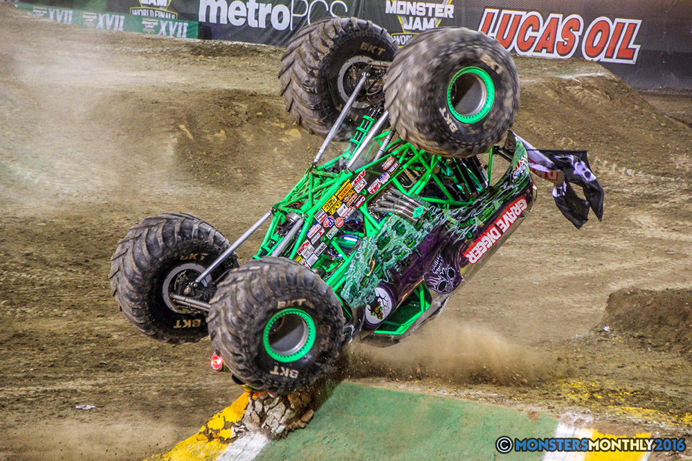 92-monster-jam-world-finals-17-march-2016-sam-boyd-stadium-las-vegas-monster-truck-racing-freestyle-gravedigger-maxd-monster-mutt-titan.jpg