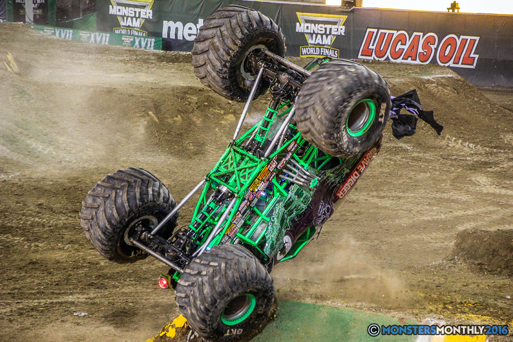 93-monster-jam-world-finals-17-march-2016-sam-boyd-stadium-las-vegas-monster-truck-racing-freestyle-gravedigger-maxd-monster-mutt-titan.jpg