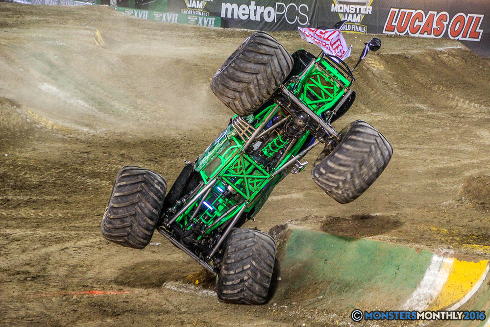 94-monster-jam-world-finals-17-march-2016-sam-boyd-stadium-las-vegas-monster-truck-racing-freestyle-gravedigger-maxd-monster-mutt-titan.jpg