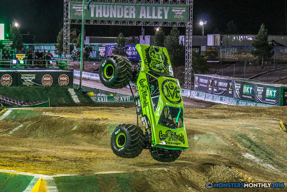 95-monster-jam-world-finals-17-march-2016-sam-boyd-stadium-las-vegas-monster-truck-racing-freestyle-gravedigger-maxd-monster-mutt-titan.jpg