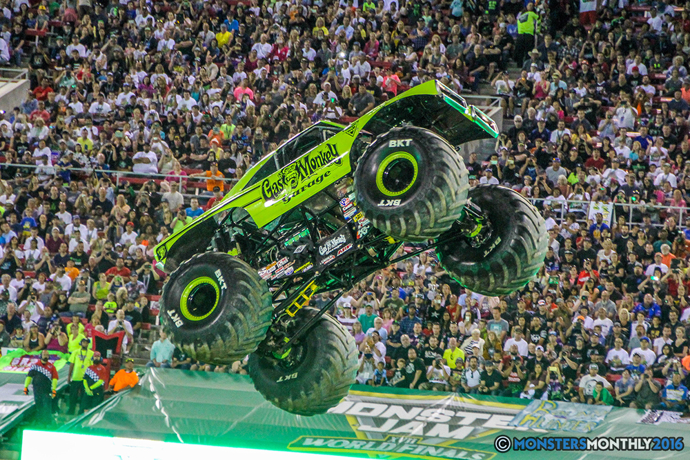 96-monster-jam-world-finals-17-march-2016-sam-boyd-stadium-las-vegas-monster-truck-racing-freestyle-gravedigger-maxd-monster-mutt-titan.jpg