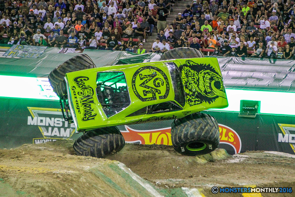 98-monster-jam-world-finals-17-march-2016-sam-boyd-stadium-las-vegas-monster-truck-racing-freestyle-gravedigger-maxd-monster-mutt-titan.jpg