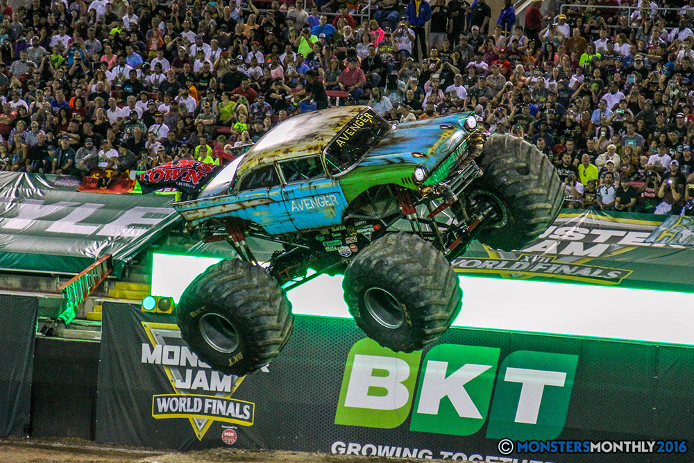 100-monster-jam-world-finals-17-march-2016-sam-boyd-stadium-las-vegas-monster-truck-racing-freestyle-gravedigger-maxd-monster-mutt-titan.jpg