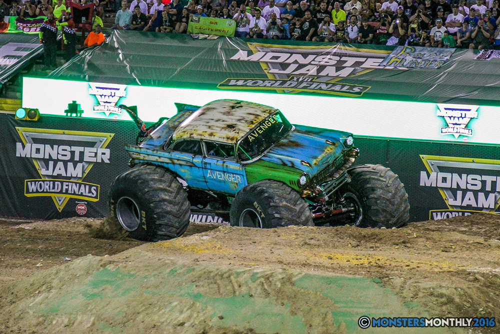 101-monster-jam-world-finals-17-march-2016-sam-boyd-stadium-las-vegas-monster-truck-racing-freestyle-gravedigger-maxd-monster-mutt-titan.jpg