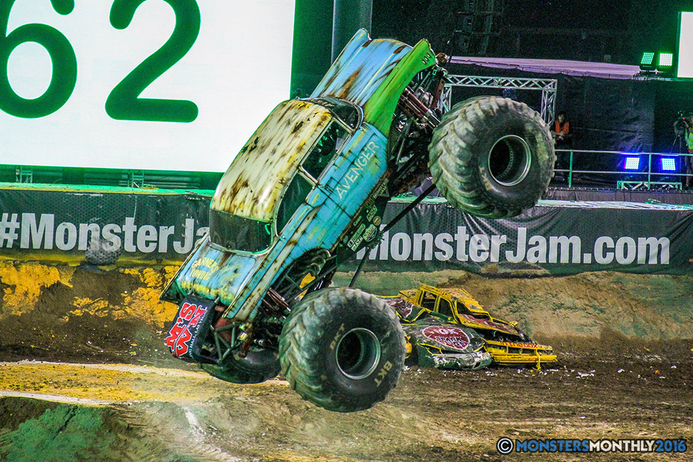 102-monster-jam-world-finals-17-march-2016-sam-boyd-stadium-las-vegas-monster-truck-racing-freestyle-gravedigger-maxd-monster-mutt-titan.jpg
