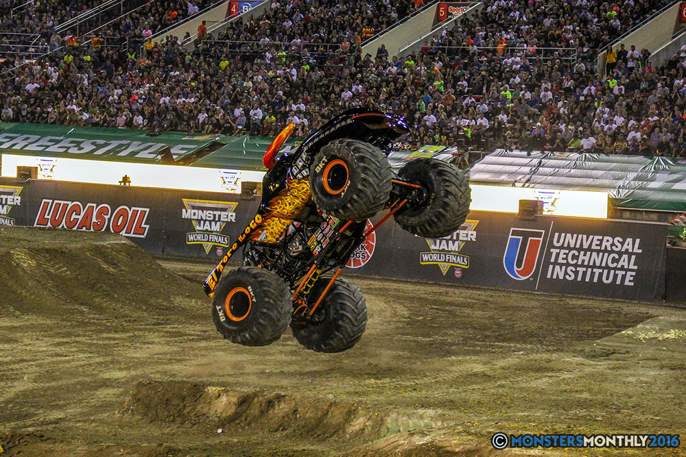 107-monster-jam-world-finals-17-march-2016-sam-boyd-stadium-las-vegas-monster-truck-racing-freestyle-gravedigger-maxd-monster-mutt-titan.jpg