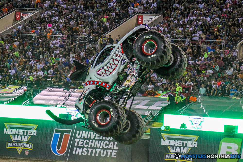 109-monster-jam-world-finals-17-march-2016-sam-boyd-stadium-las-vegas-monster-truck-racing-freestyle-gravedigger-maxd-monster-mutt-titan.jpg